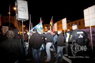 Neonazis amongst PEGIDA demonstrators.