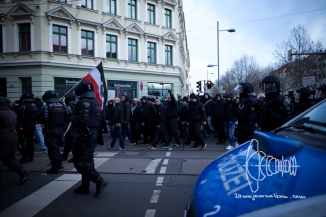 Neonazis march.
