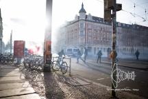 Police fires tear gas on left activists