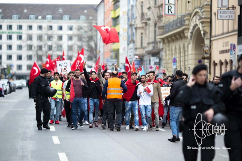 Clashes erupt as Turkish nationalists rally for Peace throughMunich