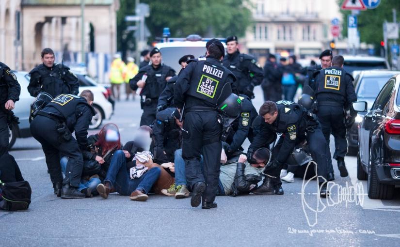 PEGIDA Munich – brutal roadblock eviction and Antifa ReisenGmbH