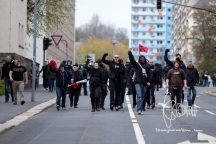 After the march turned around smaller groups of neo-nazis return to the main group.