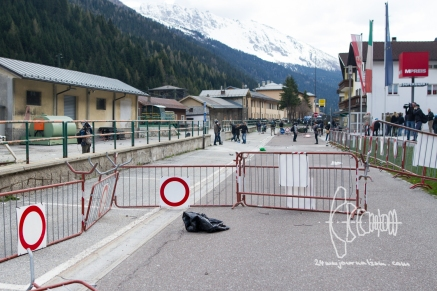 Roadblocks are set up during clashes.