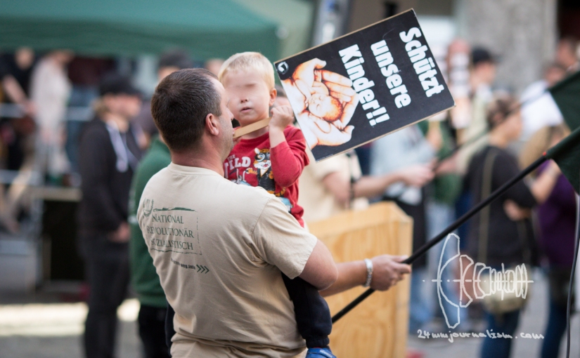 "Neonazi party ""Der III. Weg"" rallies in Landshut [Picture Gallery]"