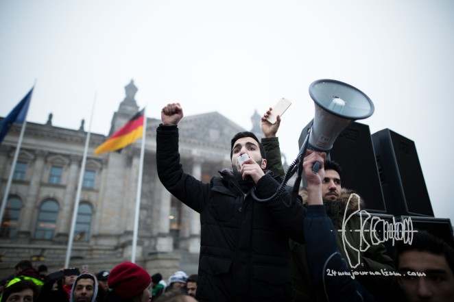 SOS-Aleppo demonstration in front of Reichstag in Berlin