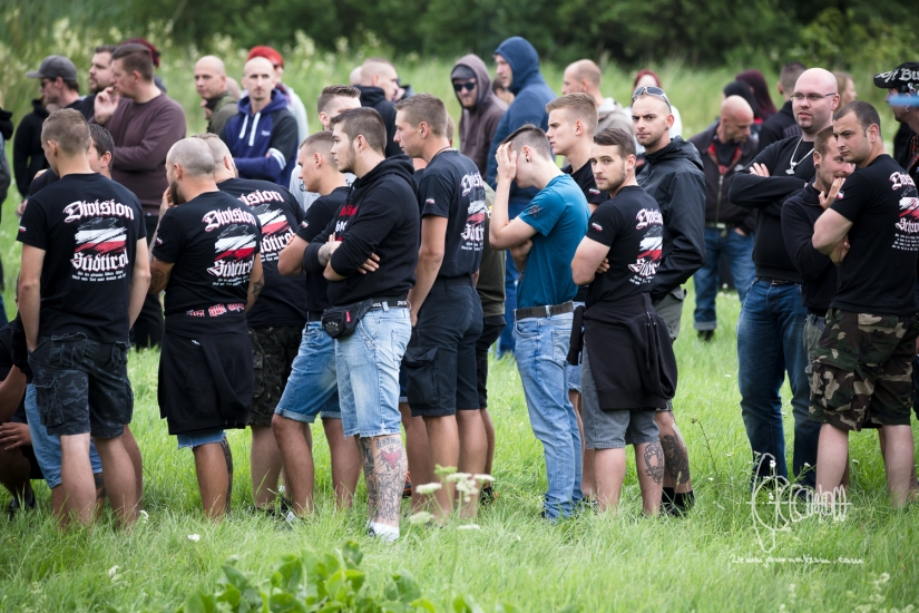 [Picture Gallery] Neonazis hold Rock-Concert inThemar